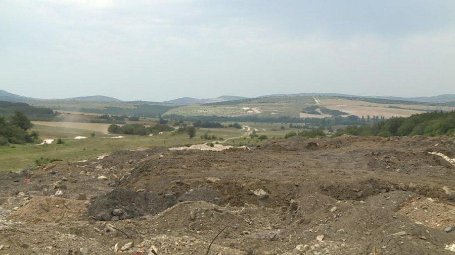 Вблизи села Хмельницкое на сельхозземлях складируют строительный мусор