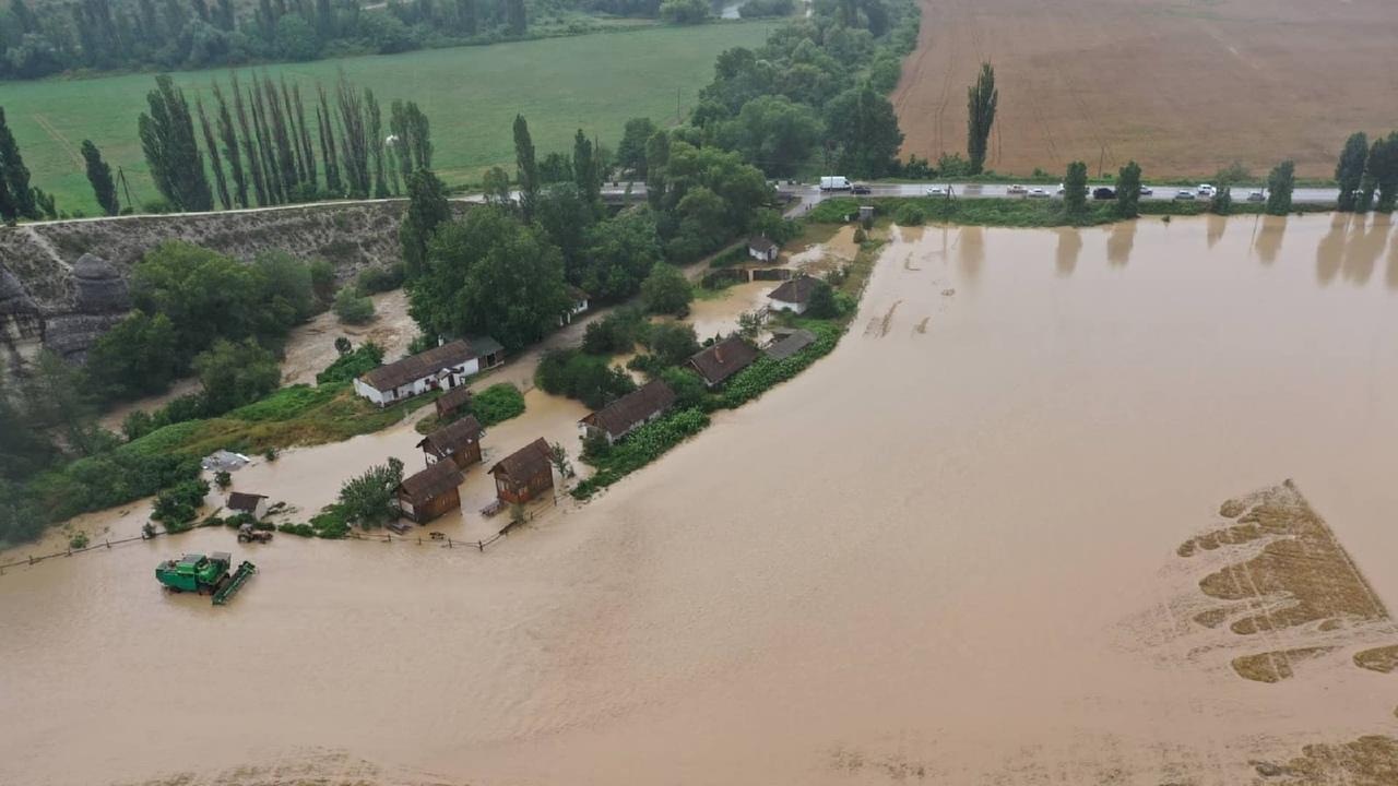 Крымское село после паводка осталось без единственного источника воды