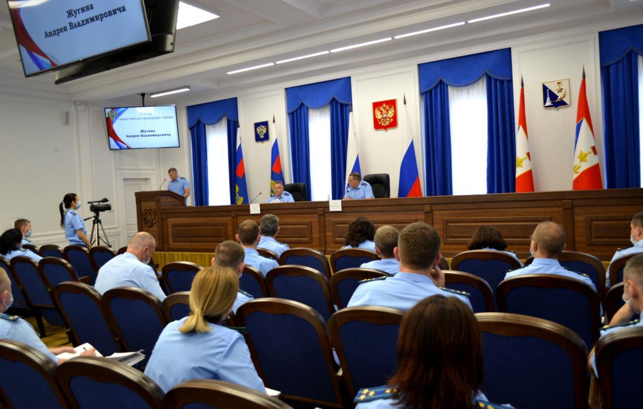 Прокуроры Севастополя рассмотрели почти 1,5 тысячи уголовных и гражданских дел в первом полугодии
