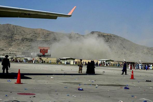 Во время взрыва у аэропорта Кабула погибли 13 человек