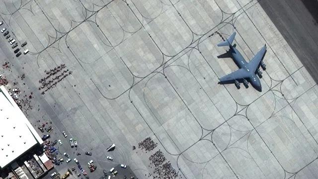 Возле аэропорта в Кабуле произошел второй взрыв