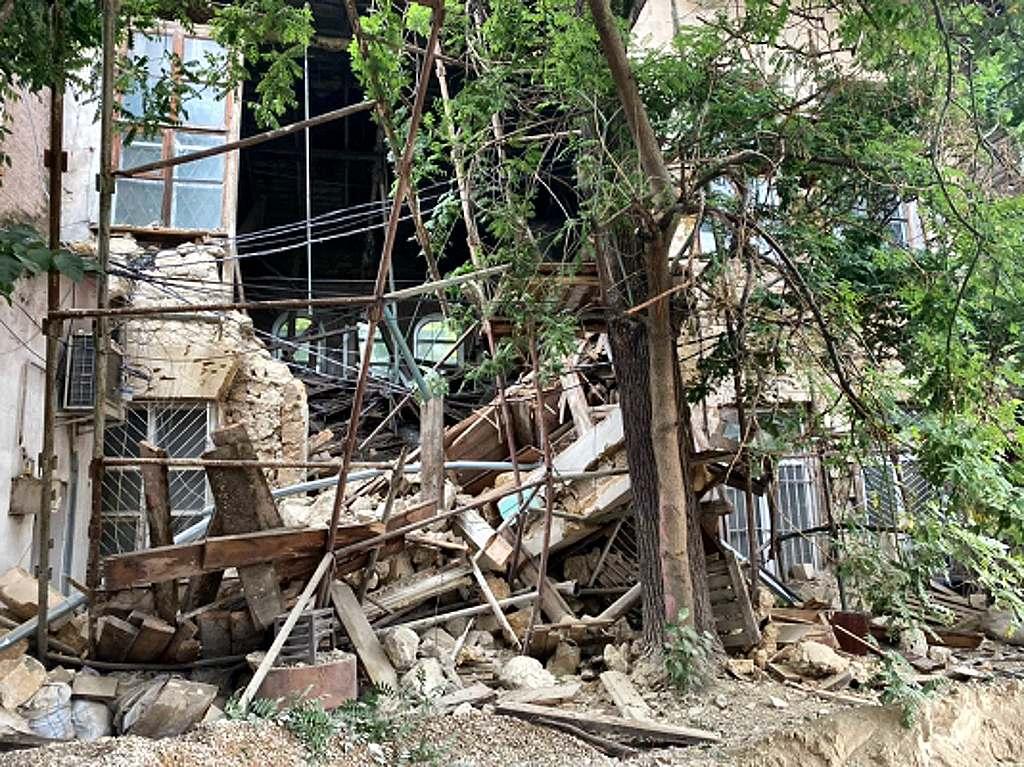 Обрушением исторического задания в центре Симферополя занялся следкомитет