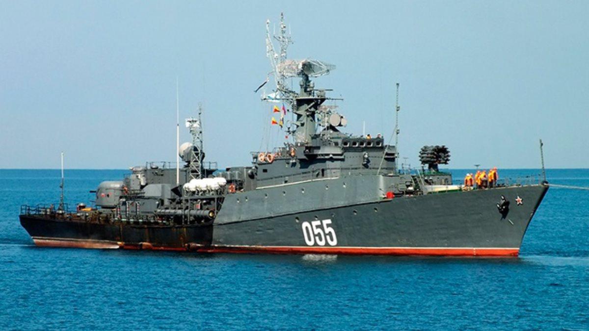 Малые противолодочные корабли Черноморского флота отработали поиск подводной лодки
