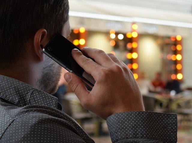 Телефонные мошенники стали использовать новую уловку, чтобы выманить деньги у россиян