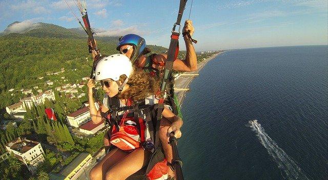 В Крыму упал параплан с 16-летней туристкой