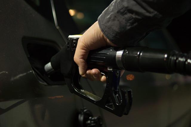 В Симферополе замерли цены на бензин после сильного подорожания