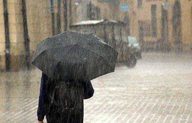 В Сочи сильный ливень вновь подтопил улицы