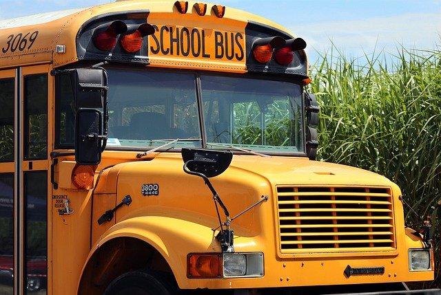 До конца года Севастополь получит новые школьные автобусы