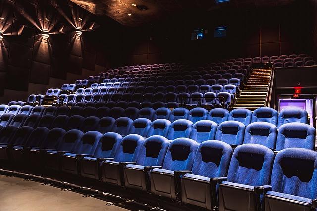 Кинотеатры будут сообщать зрителям длительность рекламы и трейлеров