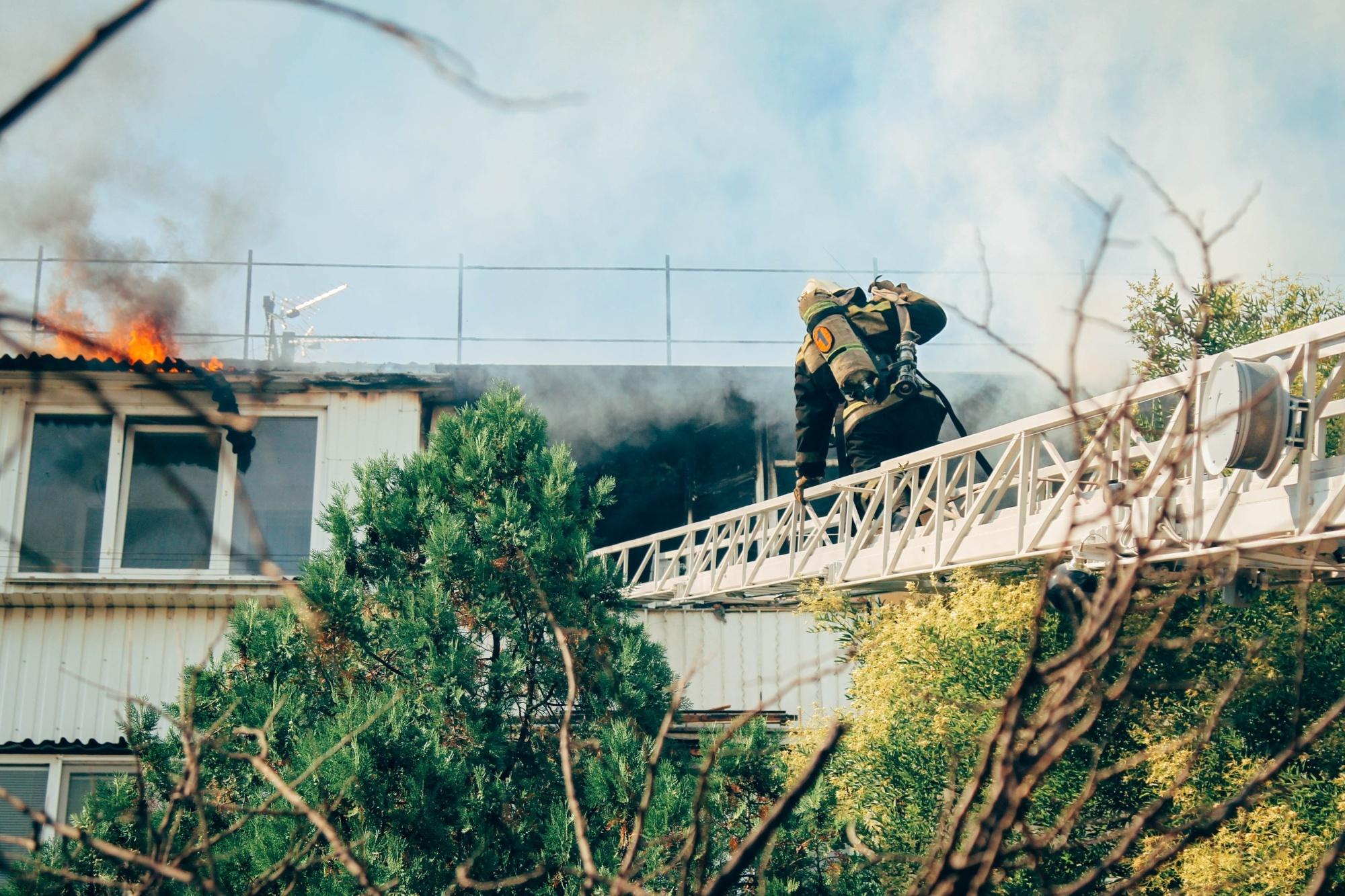 На пожаре в Севастополе погиб пожилой мужчина