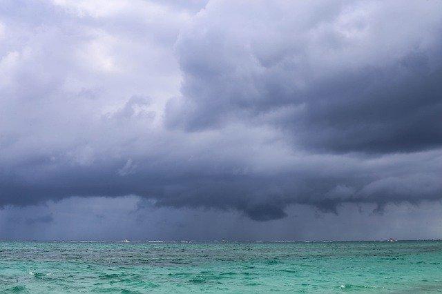 В Крыму 13 августа пройдут очень сильные дожди, объявлено штормовое предупреждение