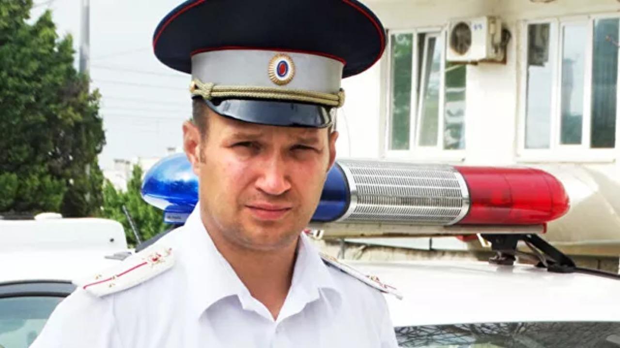В Севастополе полицейского наградят за неоднократное спасение людей