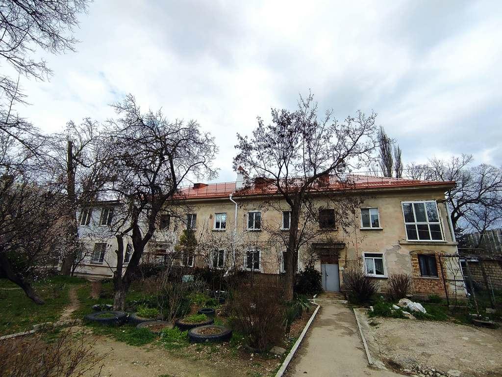 Прокуроры Севастополя взялись за фонд содействия капитальному ремонту