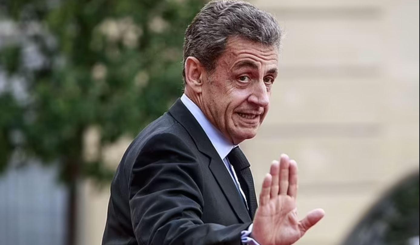 Экс-президент Франции Саркози приговорен к году тюрьмы