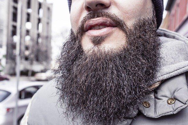 В Афганистане боевики запретили мужчинам брить и подстригать бороды