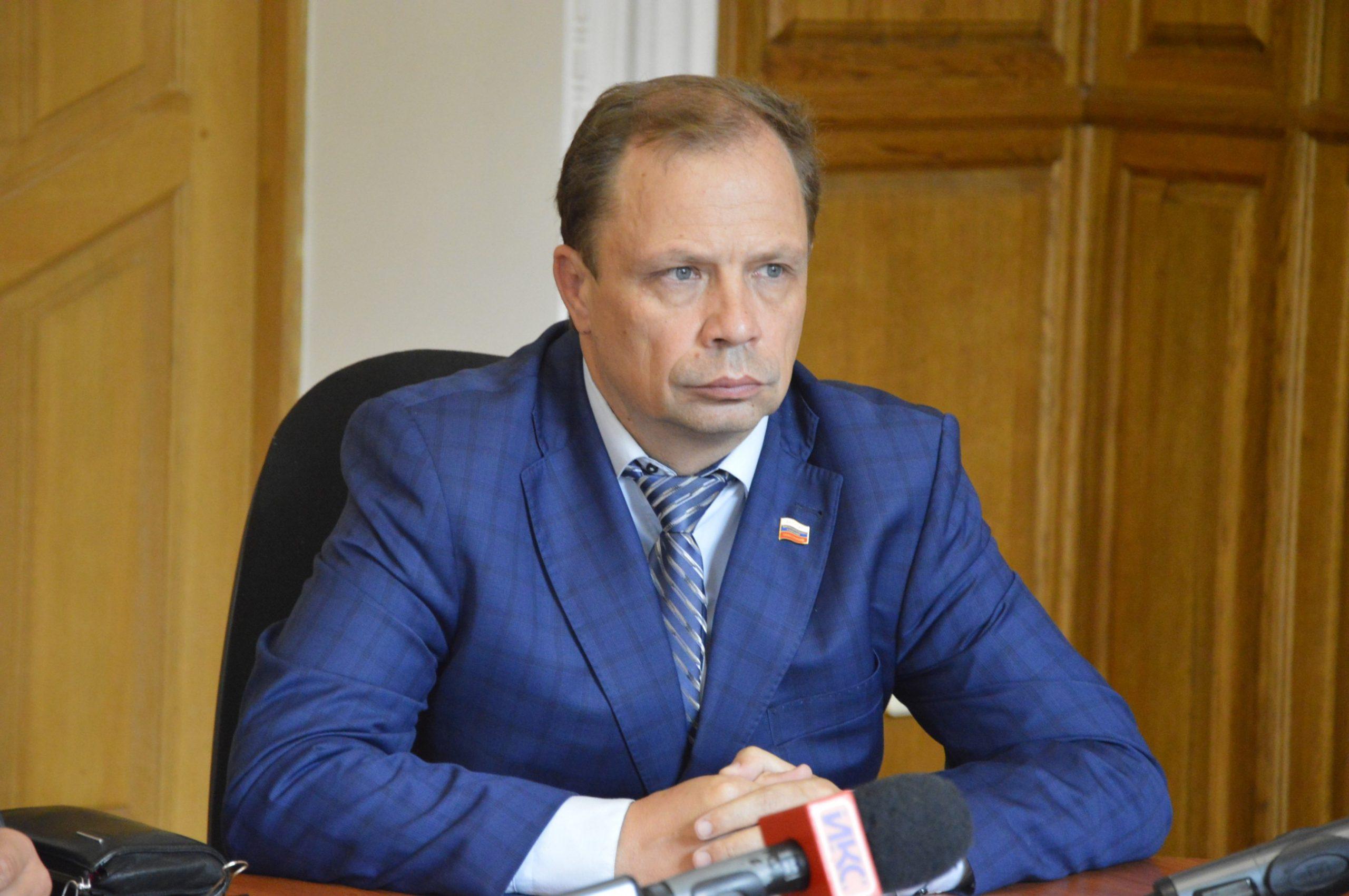 В ведомстве вице-губернатора Кулагина один скандал сменяет другой