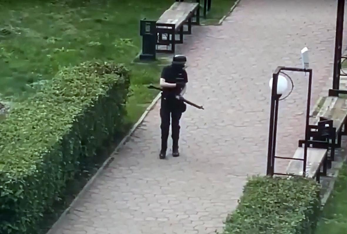 Число пострадавших в результате стрельбы в Перми выросло до 43, стрелку ампутировали ногу