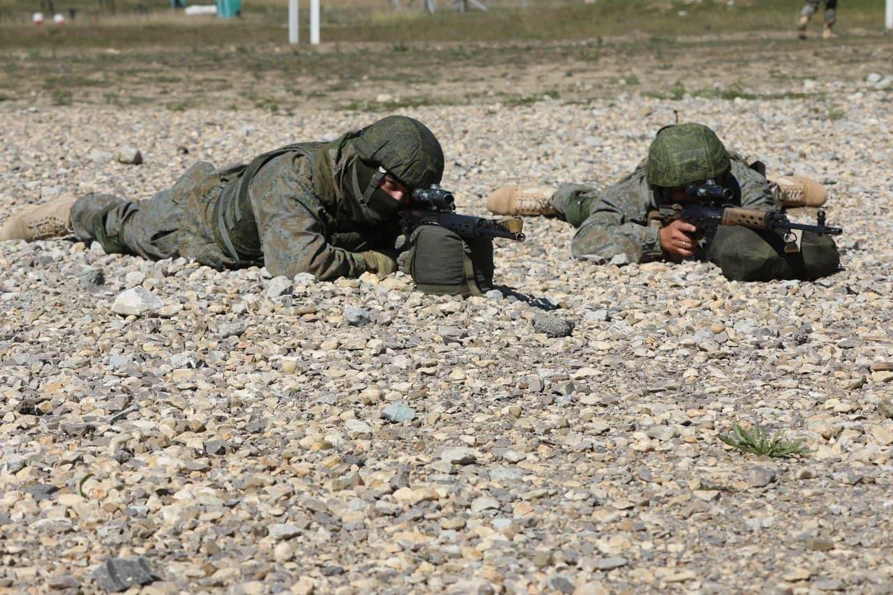 Снайперы Черноморского флота тренировались на крымском полигоне Ангарский
