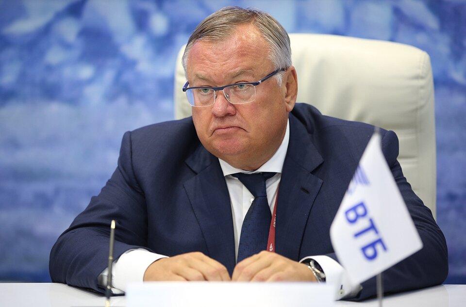 Глава ВТБ заявил, что крупнейшим банкам России нет нужды работать в Крыму