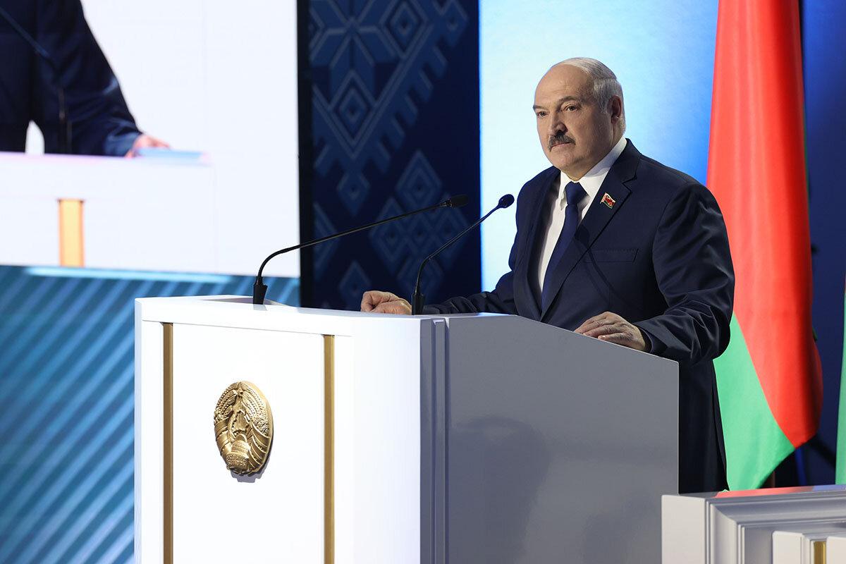 Лукашенко заявил о претензиях на Вильнюс и части Польши