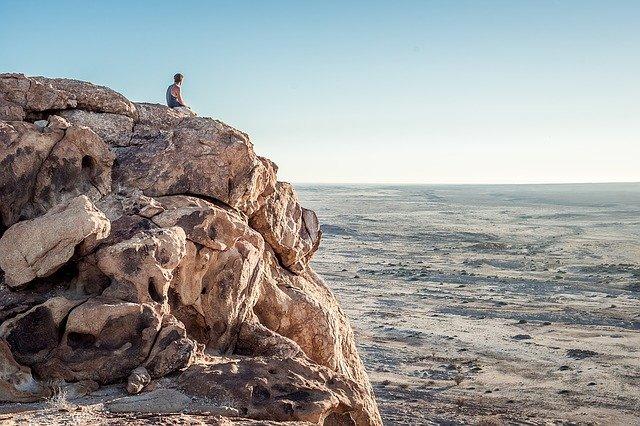Спасательная операция длилась больше пяти часов: в Крыму турист сорвался со скалы