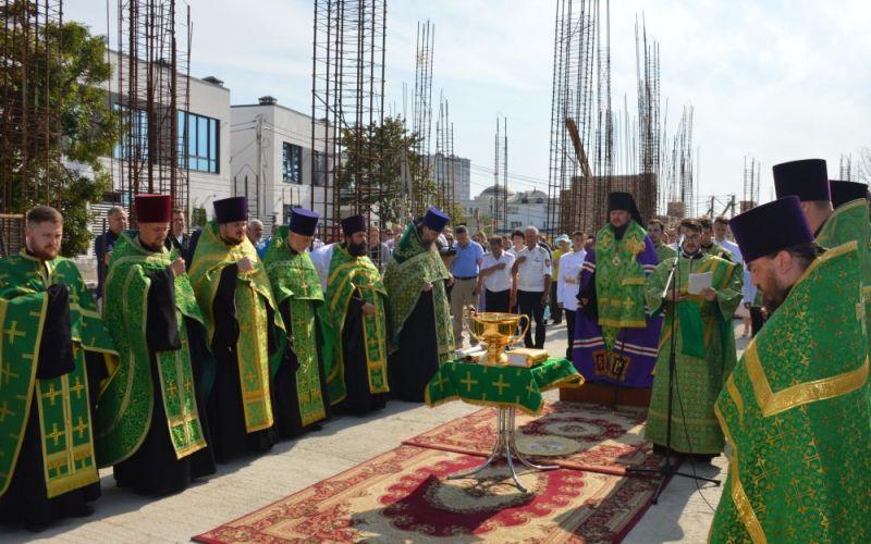 В Севастополе возводят новый храм