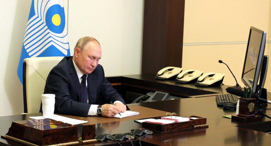 Путин заявил о необходимости взаимодействия с талибами, но призвал не торопиться с их признанием