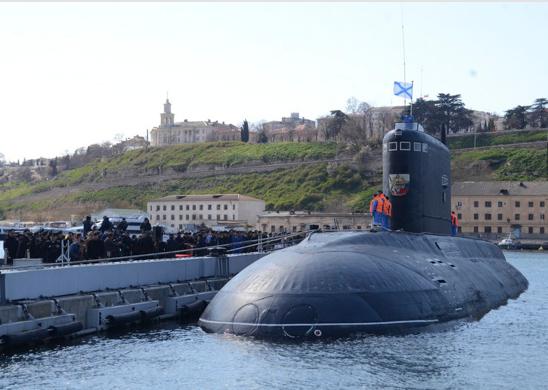 Экипаж подводной лодки Черноморского флота отработал ракетный удар по отряду кораблей «противника»