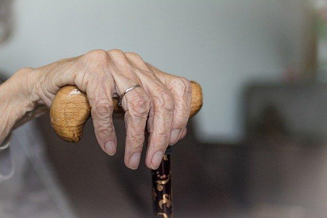 Крымчанин отправится в колонию за избиение своей 87-летней бабушки
