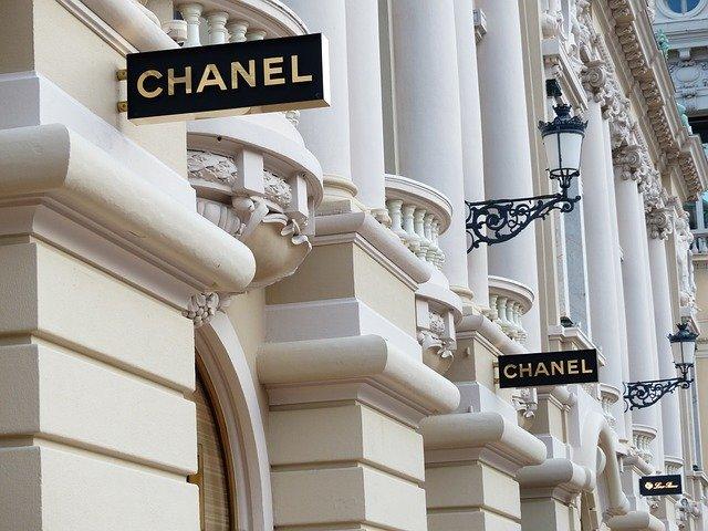 Известный модный дом установил лимит на покупку двух моделей сумок одним клиентом