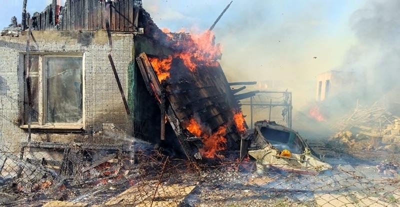 Пожарные два часа тушили огонь на курорте в Восточном Крыму