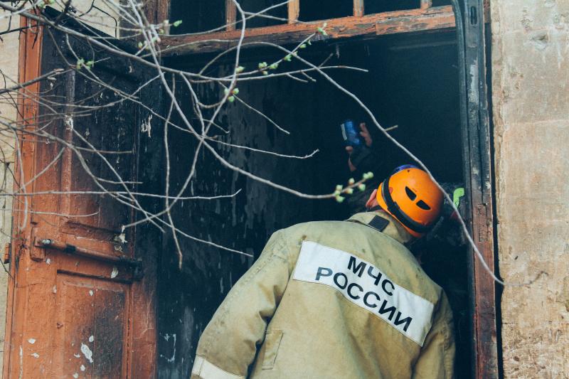 Спасатели потушили пожары в двух крымских поселках