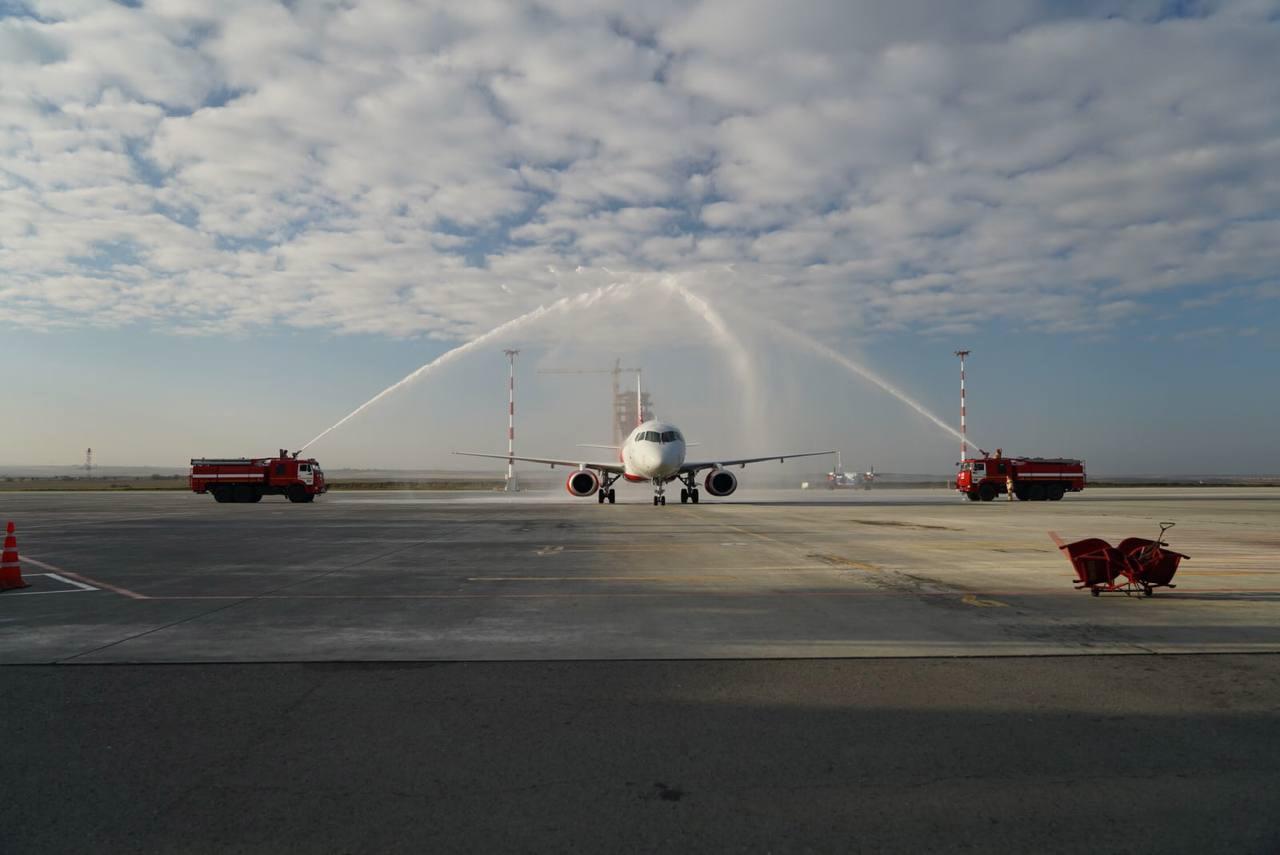 Аэропорт Симферополь впервые обслужил 6 млн человек в течение года: как встречали юбилейного пассажира